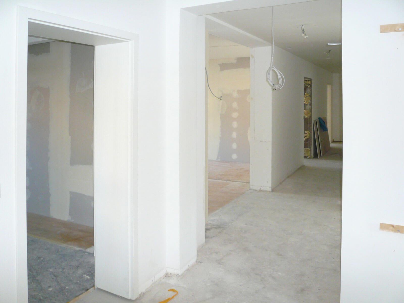 Büro in München (Ludwigsvorstadt) / Flur zur Küche: Baustelle